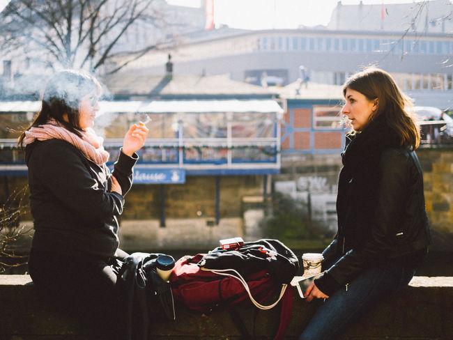 worüber reden sie? Berlin Cigrettes Kreuzberg Landwehrkanal