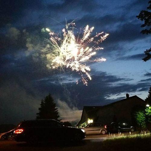 Schöner Abschluss am Abend 🙈 Feuerwerk Schön Abend Nacht Abendhimmel Picoftheday Shotofthedayo