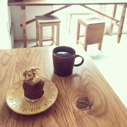 ホットコーヒーとキャロットケーキ(˶‾᷄ ⁻̫ ‾᷅˵) MErCI BAKE (松陰神社前)