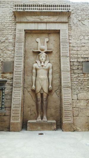 Human Representation Art And Craft Creativity Statue Sculpture Architecture Built Structure Bas Relief History Travel Destinations Building Exterior No People Outdoors Day Vertical Representing Lion - Feline Sentosa Island OpenEdit Universal Studios  Architecture