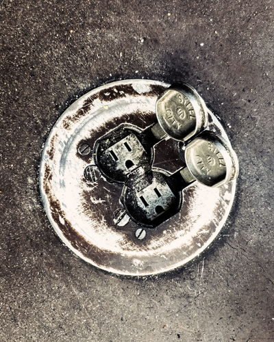 save us Plug Faces Dirty Floor Ricardobarbosa CFPRS Outlet Tomada Power Eletricity Funny Sad Close-up Silver  Gear Overhead View Circle The Street Photographer - 2018 EyeEm Awards