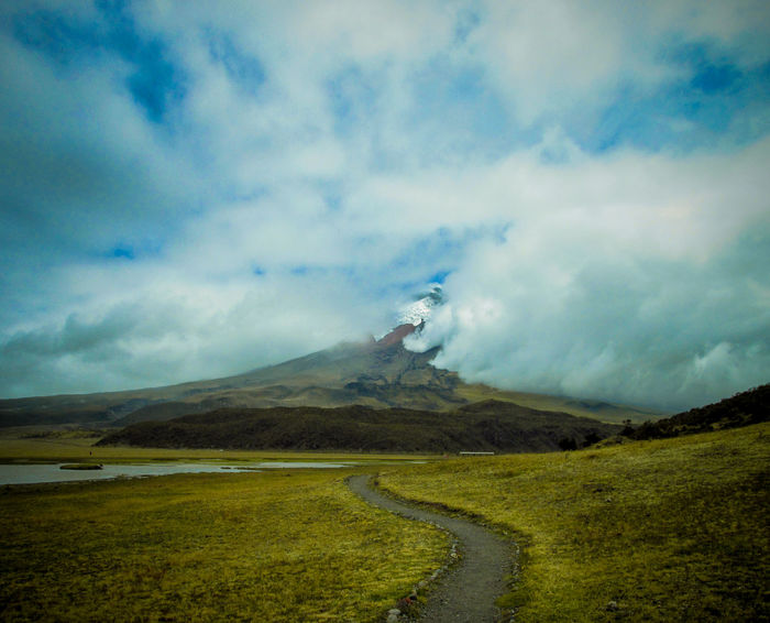 Cotopaxi Beauty In Nature Volcano Mountain Day Arboles Cielo Beauty In Nature Nubes Agua Relax Water Paisaje Nature Tranquility Discovery Lake Luz Animal Power In Nature Protection Patos Color Paloma Plant