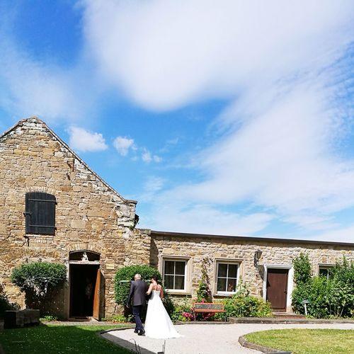 Congratulation to the bride ❤👏👏 Wedding Photography Wedding Day Wedding Ceremony Congratulations! Goodday Sky Castle Castle Wedding Castle Interior Castle Gardens