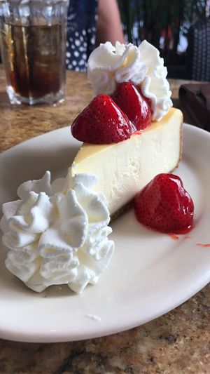 My point of view 🤓 Cheesecake Factory Aventura Mall Dessert Diettomorrow Indulgence Strawberry Temptation Whipped Cream Onlyforme