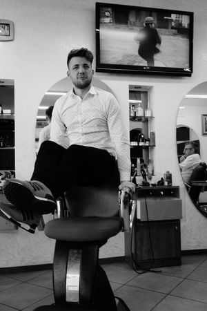 Il barbiere Focus On The Story Portrait Full Length Looking At Camera Standing Archival Barber Friend Hair Salon Shaving Razor Hair Care Posing