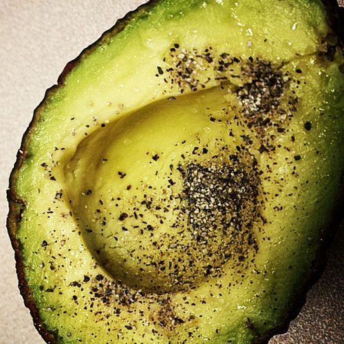 Once in awhile I get an absolutely perfect avocado, which I then smother in sea salt and pepper, and eat it with a spoon! Avacado Cleaneating AfternoonSnackAttack