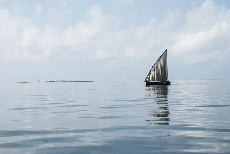 Learn & Shoot: Simplicity Mozambique Ilha De Moçambique Dhow Dhowcruise Shades Of Blue Life Is A Beach Water Reflections