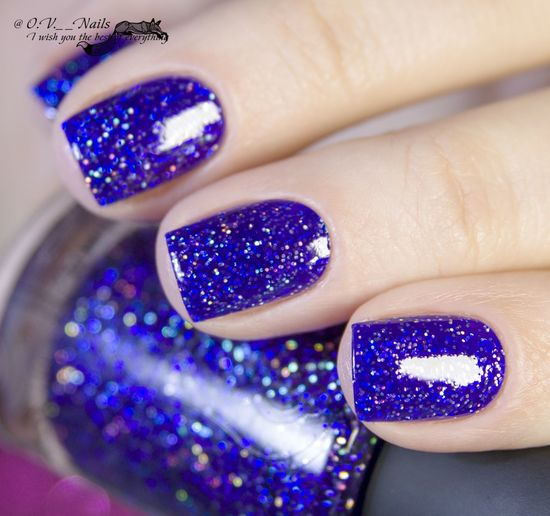 Blue Human Body Part Arts Culture And Entertainment Human Hand Nail Art Human Finger Fashion Fingernail Close-up One Woman Only One Person Adult People Nail Polish Young Adult Adults Only Painting Fingernails One Young Woman Only Nails Manicure Nail Polish ногти лак Women Beauty