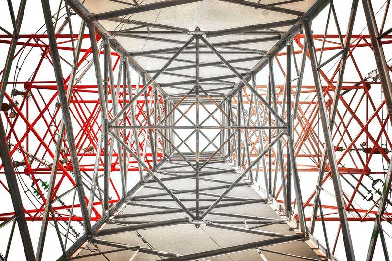 电线塔 几何 Steel Girder Cable Pattern Shadow No People Red Electricity Pylon Day Concentric Outdoors Golf Club Sky