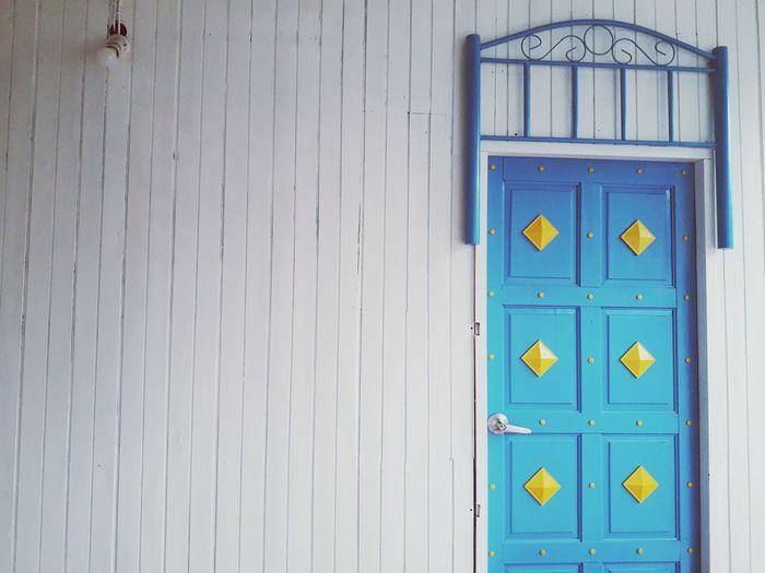 Wood - Material Door Close-up Keyhole Mail Slot Door Knocker Public Mailbox Lock Closed Door Mail Front Door Safe Key Ring Doorknob Latch Mailbox Door Handle Entryway Closed Love Lock Padlock Locked