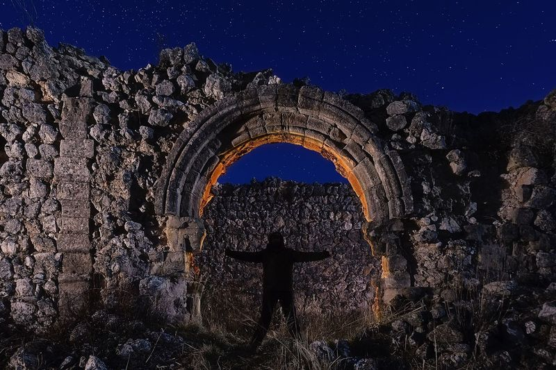 Shadow in the arch Night Arch Old Ruin Religion Architecture Outdoors Iglesia Spirituality Building Exterior Spainish Architecture, Spain Church Illuminated Nightphotography Light And Dark Light And Shadow Light In The Darkness Light Effect Light Painting Architecture Abandoned Built Structure Medieval Old Shadow Shadows & Lights