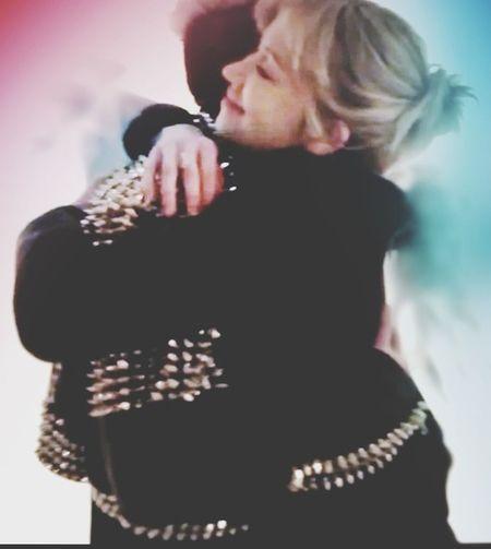 Tokio Hotel Tv Natalie Franz Bill Kaulitz Hug