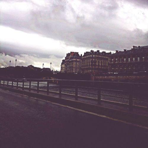 Paris Laseine