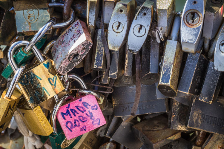 Abundance Close-up Day Declaration Of Love Group Of Objects Hearts In Love Key Lock Locket_of_love Love Machinery Messy No People Old Outdoors Paris Paris Bridges Run-down Rustic Still Life Urban Landscape Urban Fresh On Eyeem  in Paris