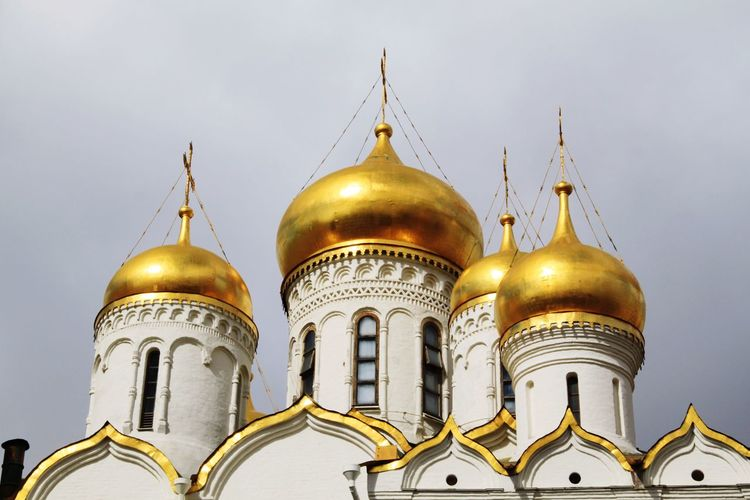 Gold Colored Dome Religion Architecture Travel Destinations Gold Spirituality Place Of Worship No People Built Structure Outdoors Close-up Cathedral Kremlin Complex Kremlin Moscow Moscow, Russia Russia Kremlin Architecture Russia Cathedral Of The Archangel Politics And Government Place Of Worship Sky Gold Travel