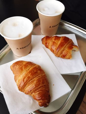 Ciao Paris! Layovers Paris Airport Croissant Cappuccino Kaffeepause My Favorite Breakfast Moment