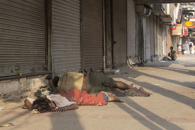 homeless person sleep on footpath in chandni chowk Bazar Candid City Life City Street Delhi Delhidiaries Homeless Indian Life Indianstories Indiapictures Lay Down Lifestyles Olddelhi Outdoors Photowalk Resting Sidewalk Sleep Snapshot Street Street Photography Streetlife The Way Forward Vagabond