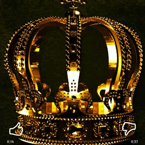 TheCrown Need_i_say_more Kingoftheghetto I had to buy it too. I cannot remember the last time I paid for an album. Gotta support Ro, I jam Myfavoritemixtape EVERYDAY. and my fave song is by him ifoundme