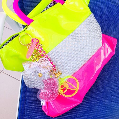 """I made this """"fluo machine"""" tote to go to the beach 😌⚜🌷 i really love it Laviniafenton Handmade Design Fun Fentoncolors Tote Enjoying Life Hello World Fashion That's Me Weird Shapes My Style Plasticbomb Check This Out Bags EyeEm Gallery EyeEm Best Shots First Eyeem Photo Fluo  Beach Flower"""