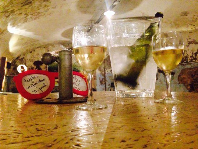 Wine White Vintage Bar SETE