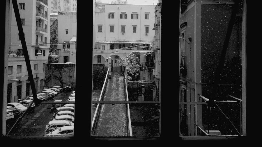 Finestra sulla neve Finestra Su Napoli Architecture Building Exterior Built Structure Day City No People Outdoors