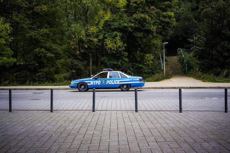 don´t drive it´s sunday - Chevrolet Caprice - NYC Policecar in the streets of hamburg Chevrolet Caprice Chevrolet 911 Hamburg NYC Nikon Open Edit Polizei Polizeiauto Trees Asundaycarpic Car Eye4photography  Mode Of Transport Mode Of Transportation Motor Vehicle Nyc Police Parking Police Police Car Police Force Street Streetphoto_color Urban Urban Photography