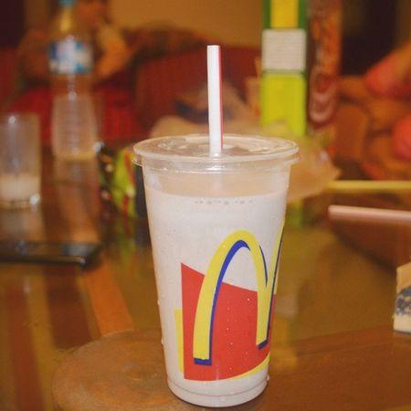 I'm loving it !! McDonald Milkshake StrawberryShake Foodphotography Foodporn