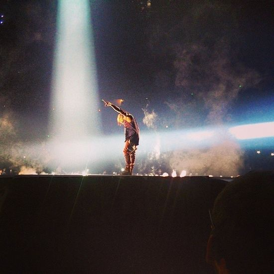 Lawd YEEZUS ! Frontrow Show Kanyewest whitejesus