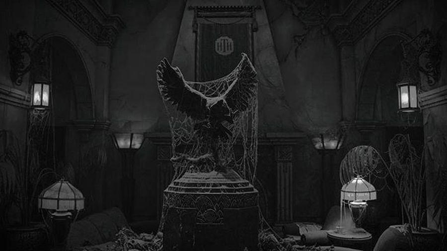 """You've just stepped into... The Twilight Zone."" Disneyland California Htt Hollywoodtowerofterror Lobby Californiaadventure Sony Sonya6000 A6000 A6 SonyAlpha6000 Blackandwhite"