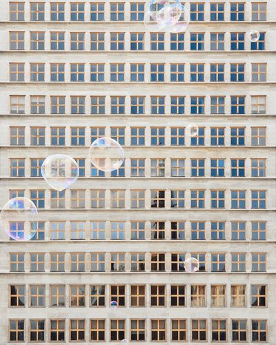 🔷🗯️🔷︱bubble waffle Architectural Column Architecture_collection EyeEm Selects EyeEm Best Shots Minimalist Architecture Minimal First Eyeem Photo EyeEmNewHere Samsungphotography VSCO The Week on EyeEm Symmetrical City Cityscape Backgrounds Full Frame Window Architecture Building Exterior Built Structure Townhouse Tiled Roof  Housing Development Residential Structure Human Settlement Exterior Apartment Residential Building Skyscraper Office Building