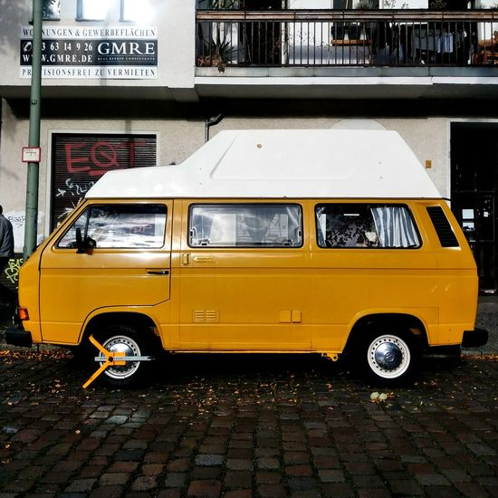 Nice fresh yellow. Wonderful T3 on a sunny day. Oldtimer Home Is Where You Park It Vanlife Vansofberlin VW T3 Bulli Yellow Gelb Auto Camper Van Campervan Camper Vanagon Van Volkswagen Neukölln Berlin