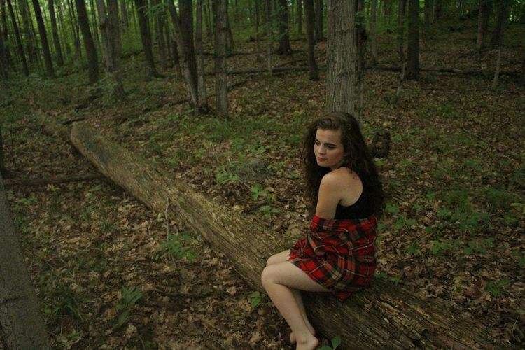 Gananoque, in the forest. Art Darkness And Light Forest Gananoque Cute Girl Modelforme