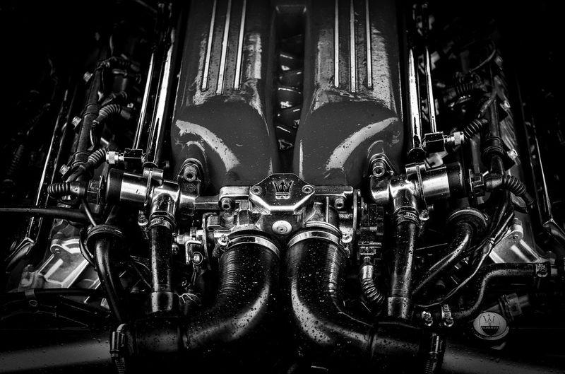 Black & White Kolben MASERATI Power Engine Engineering Race Speed