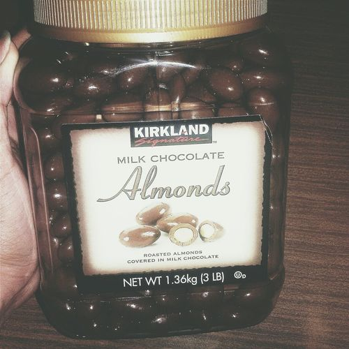 Chocolate Bae  Food Almonds Captured Photography Popular Photos EyeEmbestshots EyeEmBestEdits Eyeem Philippines 😜🍫🍫💙💜