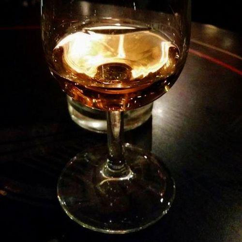 Lets drink that irish.. Irishwhiskey O 'connors Uppsala Blackandgold Golden Irish Irishpub