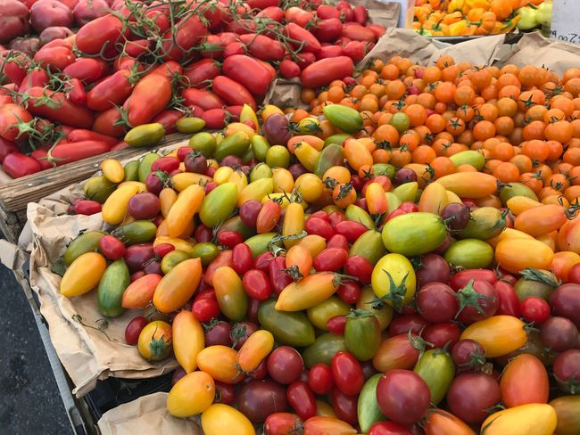 EyeEm Selects Not Edited Tomato Farmers Market No People Minitomato Colorful Vegetable USA Market Stall Healthy Eating Large Group Of Objects Day Outdoors High Angle View No Edit/no Filter