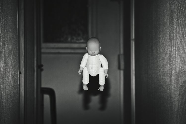 Hello World Cheese! Strange Fantastic Horror Photography Baby Puppy Blackandwhite First Eyeem Photo Flying Baby Capture The Moment OneNight Inmyhouse Art Fine Art Photography Fine Art ArtWork Strange Creatures Darkness And Light Darkness