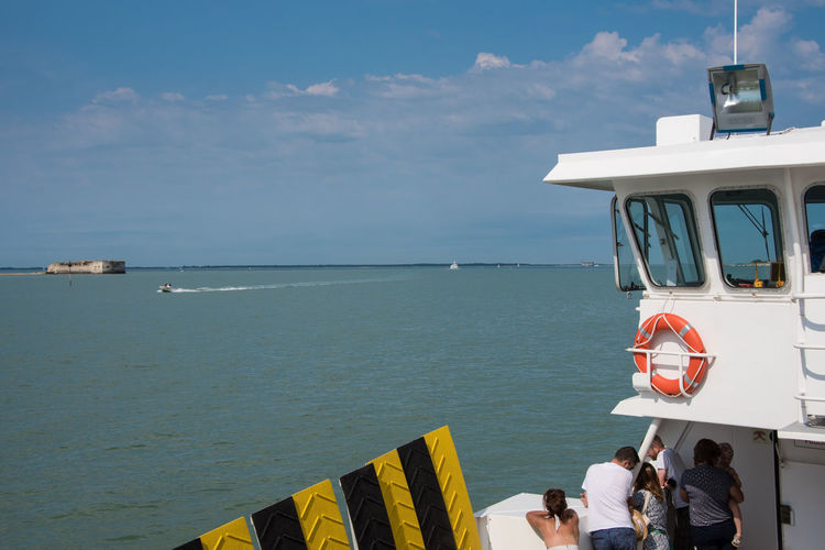 Ferry to Aix