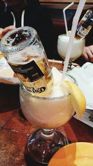 Delicious 암온더보더~ 마더파더~ / 처음 마셔보는 코로나리따.