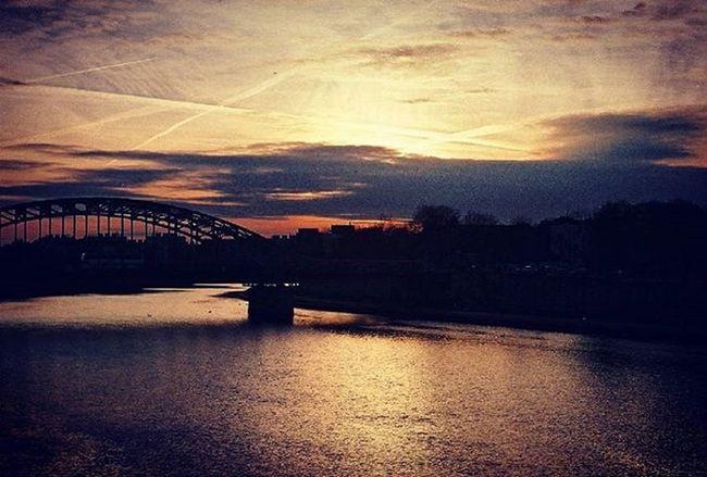 Analog Analoguephotography Sunset Film 35mm Praktica Fuijfilm Filmphotographer Photographer Lubiepolske Loves_Poland Cracow Clouds Bridge Wisła Photooftheday