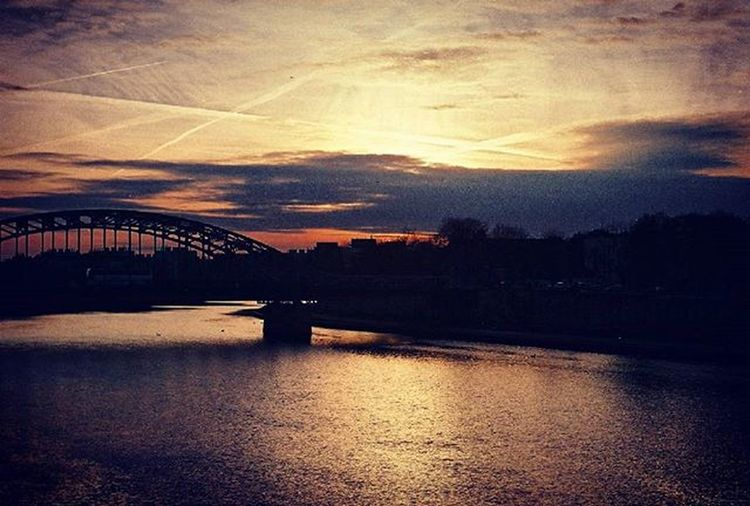 Analog Analoguephotography Sunset Film 35mm Praktica Fuijfilm Filmphotographer Photographer Lubiepolske Loves_Poland Cracow Clouds Bridge Wisła Photooftheday