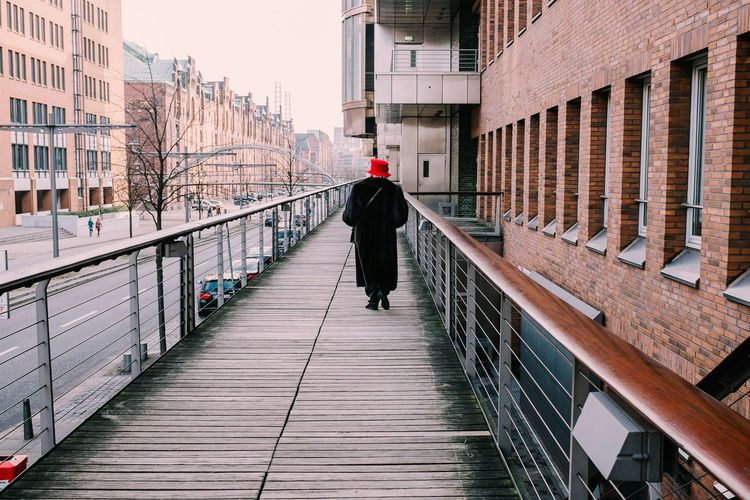 Fancy lady with a red hat Walk This Way Old Lady Streetphotography EyeEm Best Shots - People + Portrait Getting Inspired Hamburg Fujifilm Hat Street Fashion Eye4photography