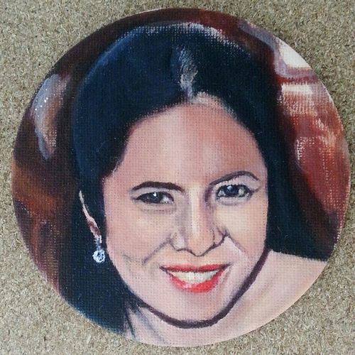 Small portrait paintings I'm currently working on: 10cm in diameter medium:acrylic paint Painting Acrylic Painting Portrait Color Portrait Portraitpainting Patriciasantosart Art Small Paintings