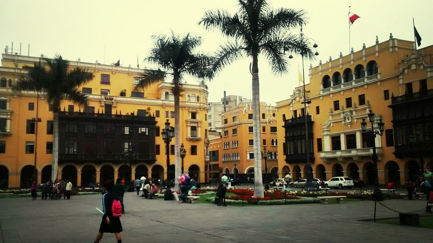 Frontis de la Municipalidad Lima-Perú Hello World Travel