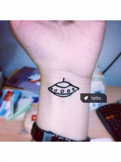 Today's Hot Look Tatto ufo 带我离开月球表面