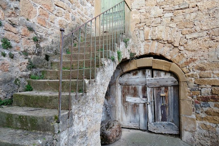 Village de Peyre Door Doorway Portail Old House House Old Village Architecture Architecture_collection Architecturelovers Ancient Old Town Tourism Aveyron Stairs Staircase Stair Outdoors Cityscape Architecture Built Structure Building Exterior Steps And Staircases Stairway Steps Entry Entrance Stone Wall Closed Door