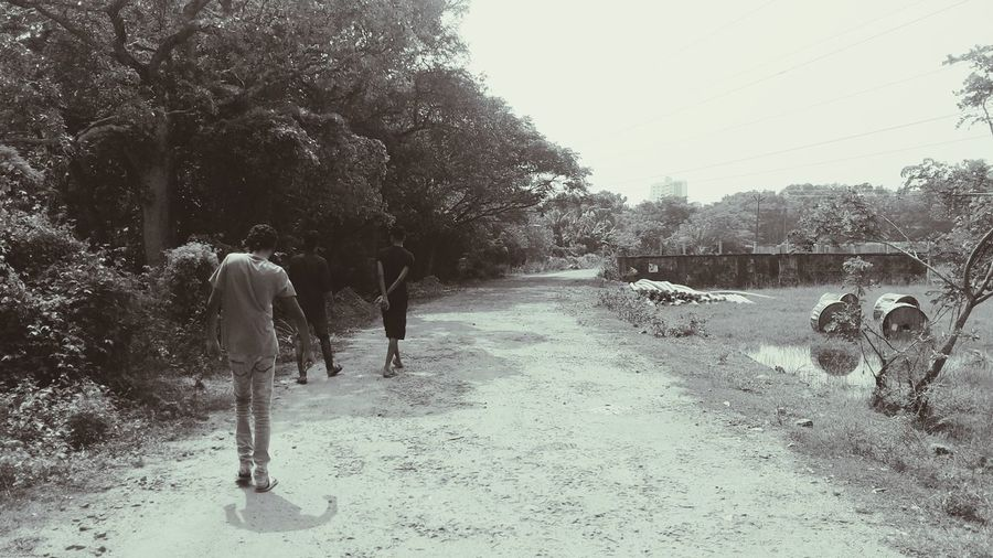 Walks Men Friends Life Moving On Nature Outskirts Unpaved Roads THE_LAZY_WALK Live For The Story
