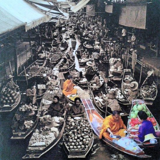 Sabai Sabai Nuad Thai Floatingmarket Table Picture on the wall BBKK beautiful_bangkok igersThailand webangkok loves_siam Thai_igers Thaimassage NuadThai Ramintra40 Nuanchan Bangkok Thailand
