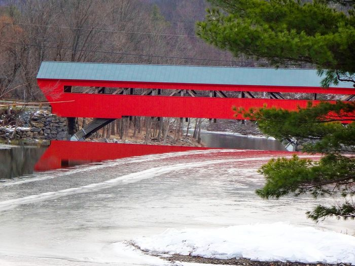Vermont Vermont_scenery Covered Bridge Covered Bridge Over River Covered Bridges Winter Wonderland Winter New England  GayneGirlPhotography EyeEm Best Shots EyeEm Nature Lover EyeEm Gallery EyeEmBestPics Wintertime Bridges Covered In Snow CoveredBridge