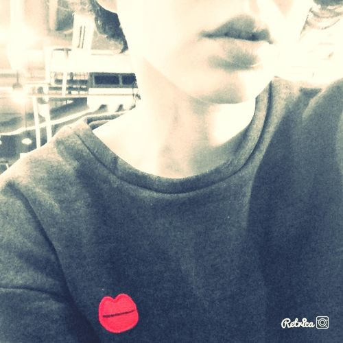 Kiss Bw_collection Redlips Sweatshirt That's Me ?????